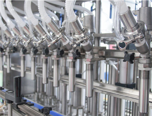 Six head automatic straight liquid filling machine