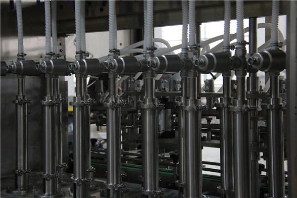 High capacity capsicum sauce linear liquid filling machine